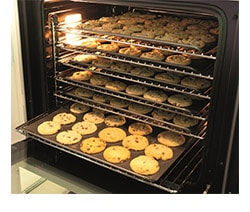 Single oven rammed with cookies