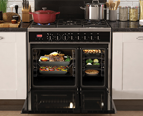 a picture of a dual fuel range cooker